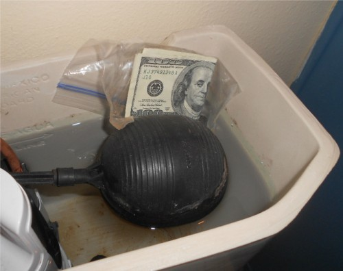 hide money in the toilet