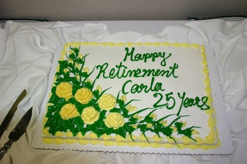 happy retirement celebration cake