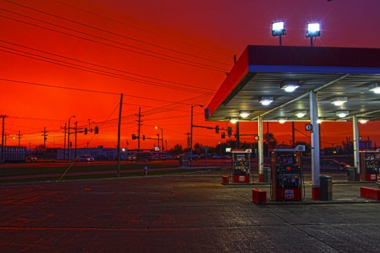 Oil and gas prices end the week steady on easing Iraq fears