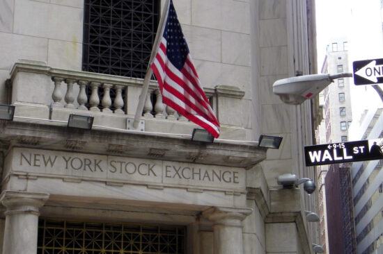 US stock indexes deacrease for first time in six weeks