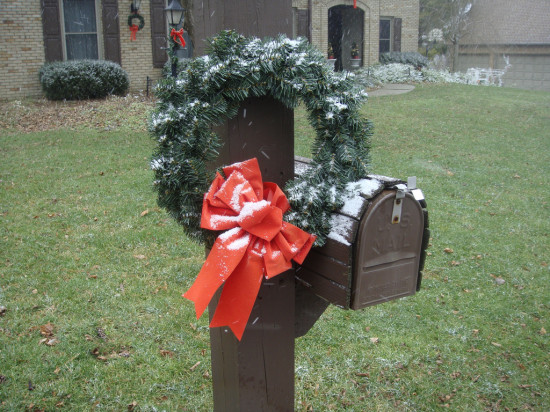 When is the last day to send Christmas cards and packages