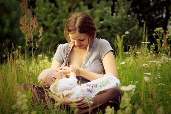 Study: breastfeeding improves a baby's immune system and fights allergies later in life