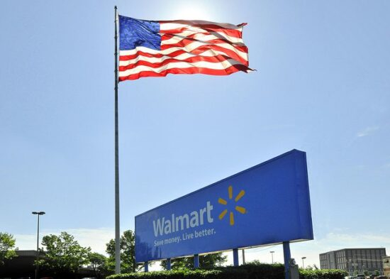 Is Walmart Open on Labor Day 2015?