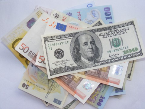 Money-Euro-USD-LEI_53073-480x360_(4791385567)