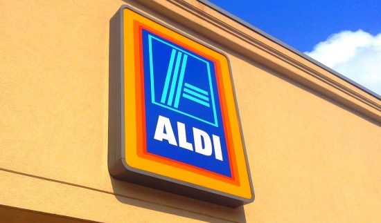 aldi hours and holiday schedule