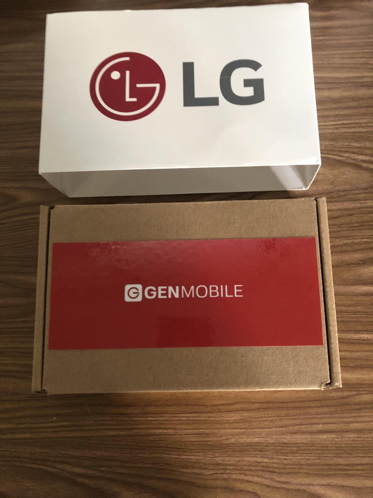 """LG """"width ="""" 1200 """"višina ="""" 1600 """"srcset ="""" https://www.savingadvice.com/wp-content/uploads/2019/10/LG.jpg 1200w, https://www.savingadvice.com/ wp-content / uploads / 2019/10 / LG-225x300.jpg 225w, https://www.savingadvice.com/wp-content/uploads/2019/10/LG-768x1024.jpg 768w, https: // www. savingadvice.com/wp-content/uploads/2019/10/LG-525x700.jpg 525w, https://www.savingadvice.com/wp-content/uploads/2019/10/LG-100x133.jpg 100w """"velikosti = """"(največja širina: 1200px) 100vw, 1200px"""" /></p> <p>Nato sem ob odprtju videl svoj telefon in navodila – z določenimi načrti za telefon in kako začeti. Mimogrede, bilo je zelo enostavno. Moral sem samo napolniti telefon in nato poklicati 611 (ali pa lahko pokličete iz ločenega telefona, če je lažje) in priklopiti moj telefon.</p> <p><img class="""